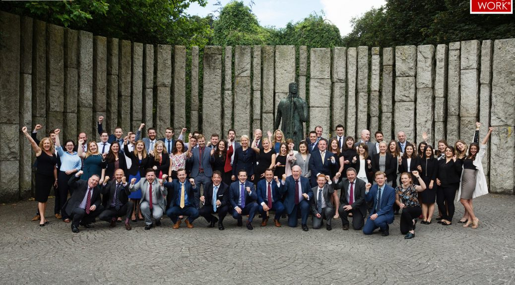 Corporate Group Shot: Ireland's Best Workplaces 2018 Sigmar Recruitment www.1image.ie