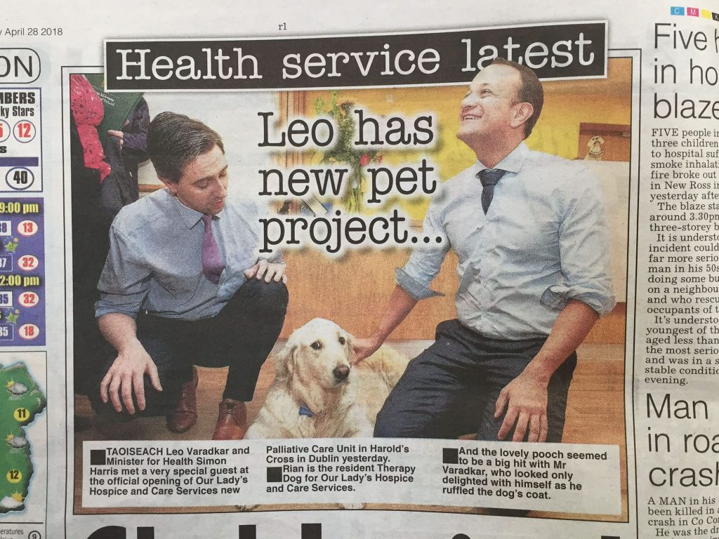 Leo Varadkar in Our Lady's Hospice with palliative care dog Press PR Photocall photography www.1image.ie