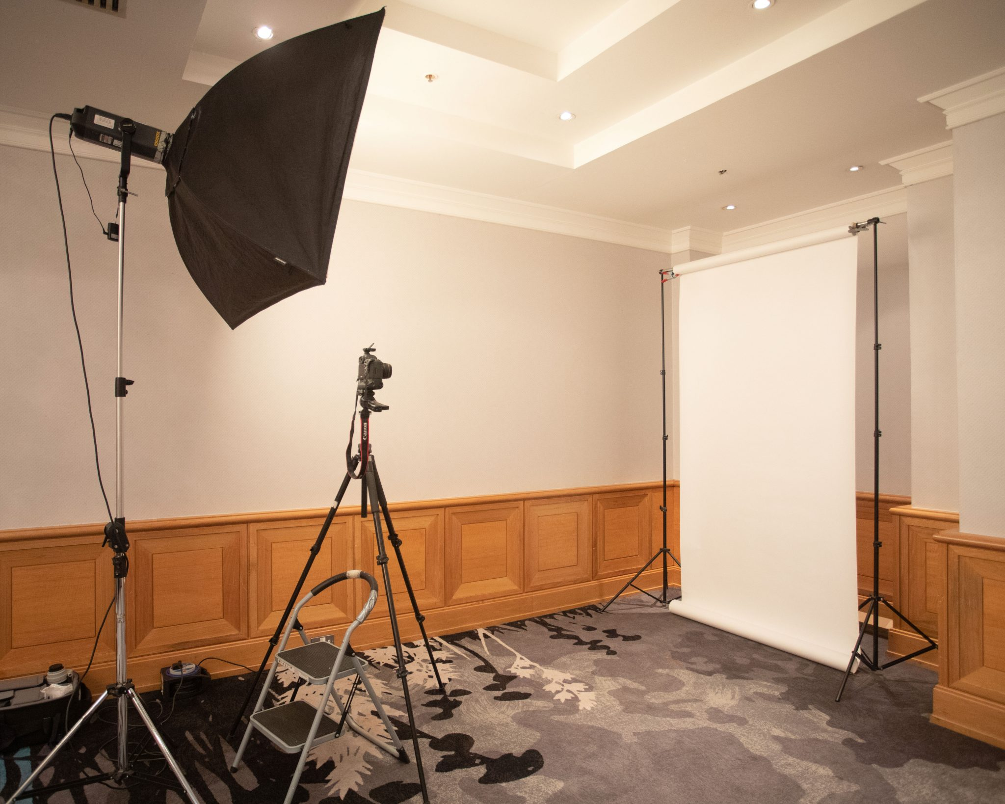 Headshot studio setup location Corporate Portrait Photographers Dublin www.1image.ie